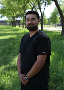 Dental laboratory technician Luis